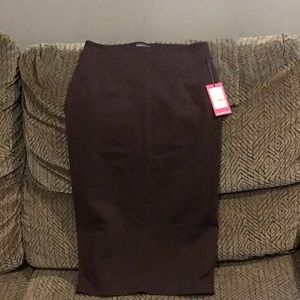 B3) Women's brand new Vince Camuto Skirt with tag
